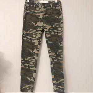 NWOT Ashley Mason Camouflage Pants